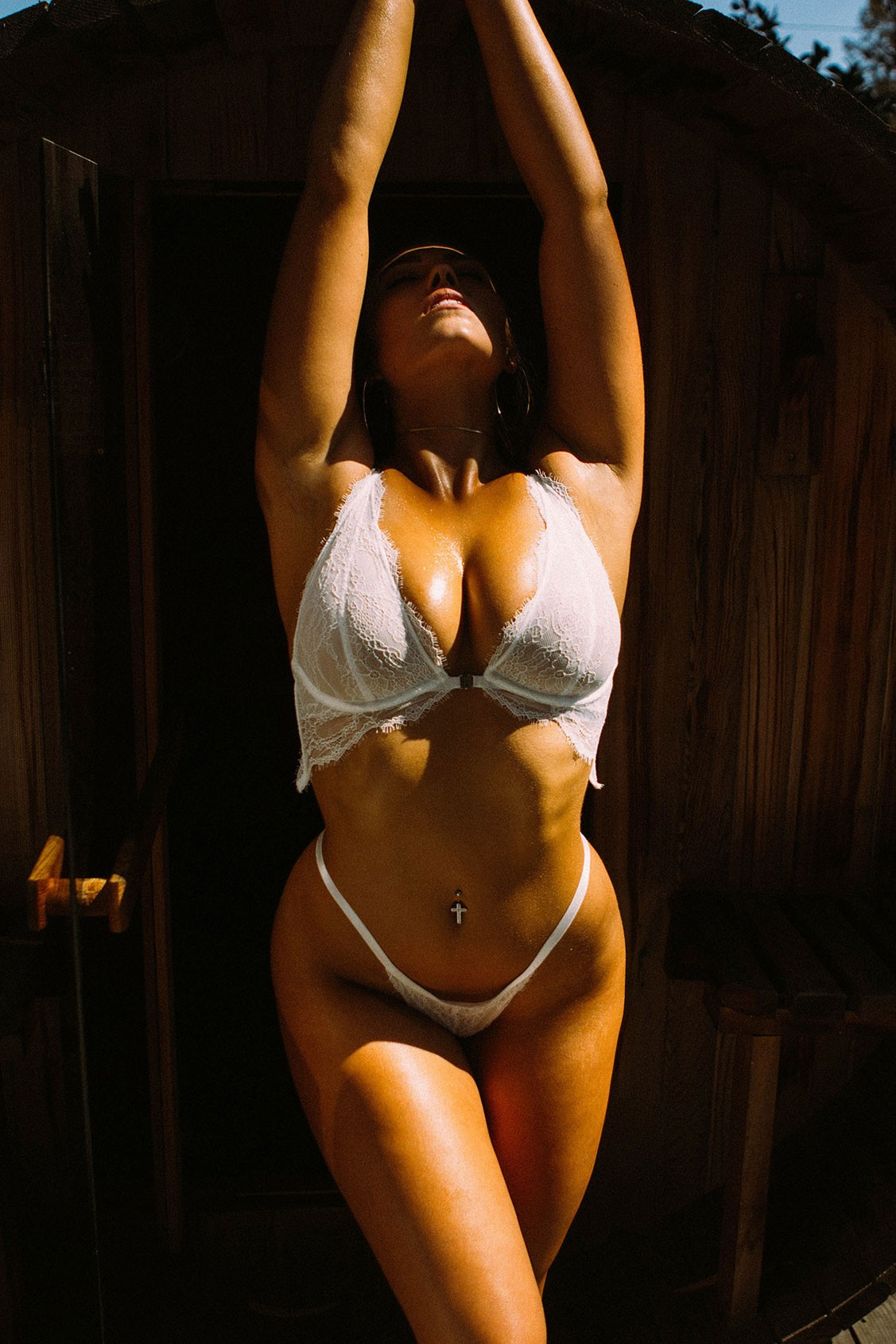 В бане с Лорел Витт / Laurel Witt by Justin Swain - Yume Magazine