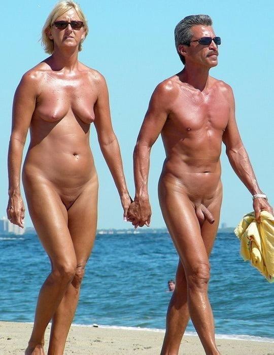 Mature couples copulating-4862