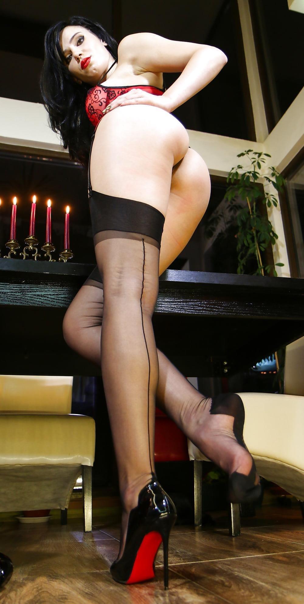 Foot nylon mistress-3701