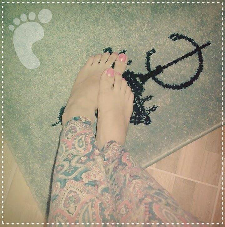 Nylon feet arab-7446