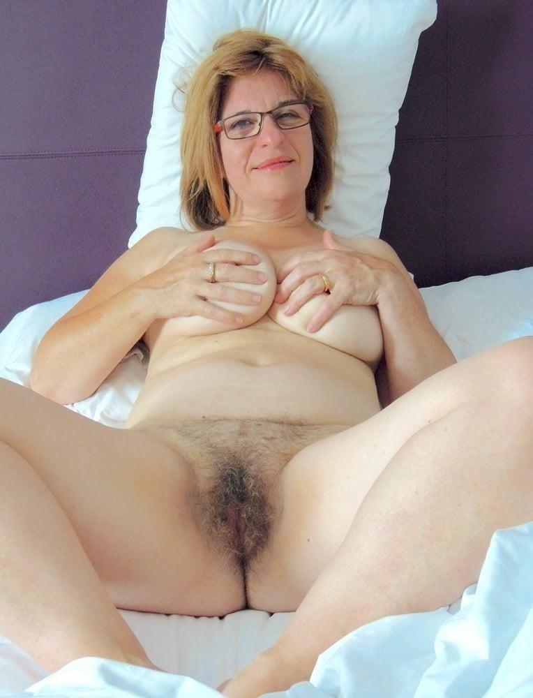 Naked mature tgp-2798