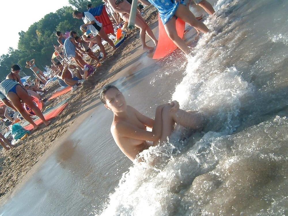 Topless beach teen girls-6332