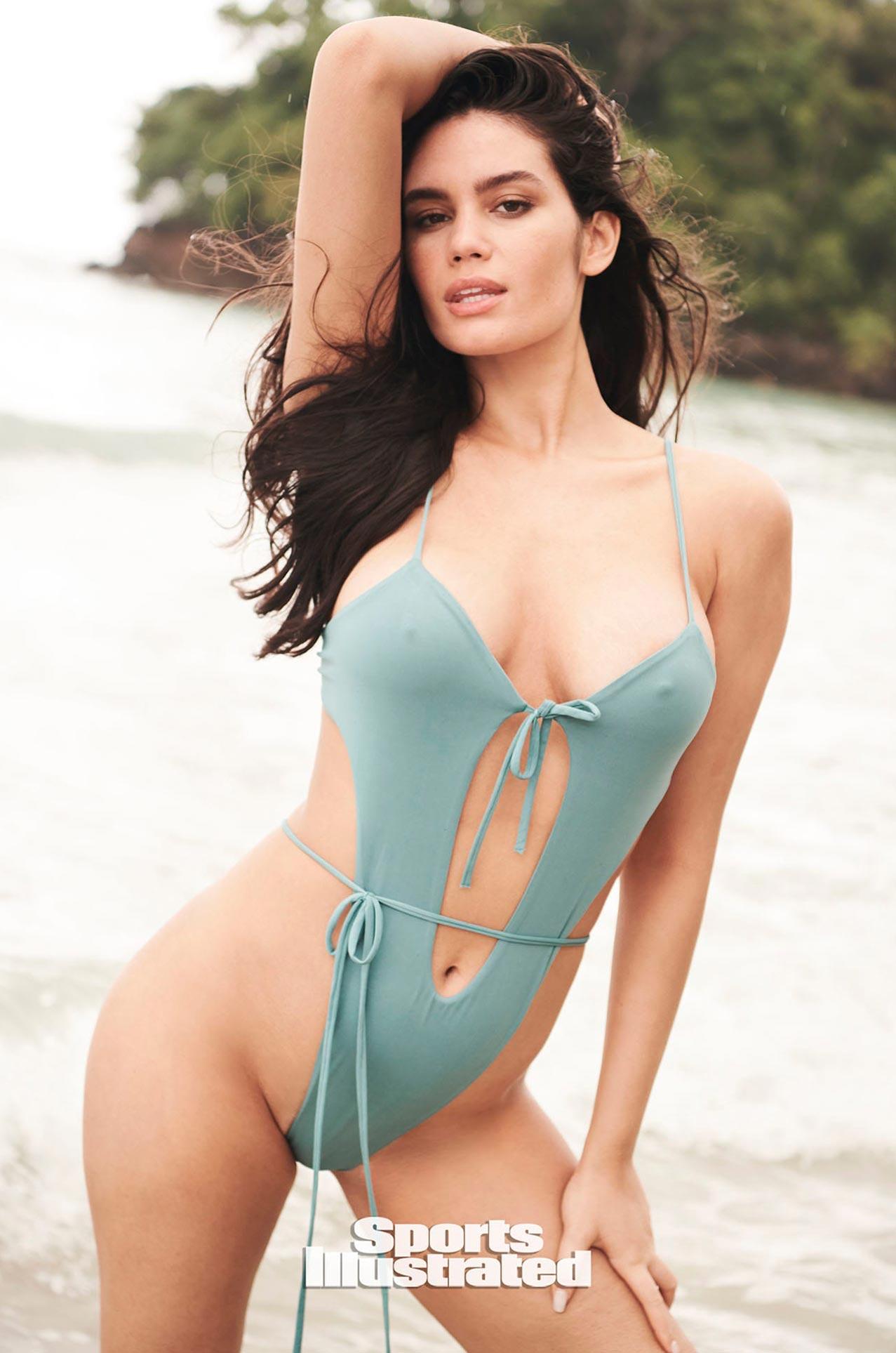Энн де Паула в каталоге купальников Sports Illustrated Swimsuit 2020 / фото 05