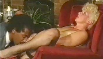 Сексуальная леди / Широко открыто / Sexy Lady / Wide Open (1985)