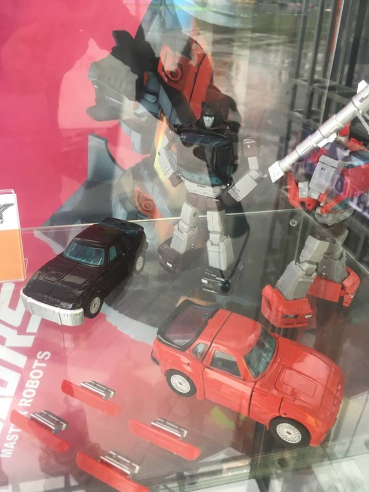 [Ocular Max] Produit Tiers - Minibots MP - PS-09 Hellion (aka Cliffjumper/Matamore), PS-11 Omne - (aka Cosmos) DSviRDGc_o