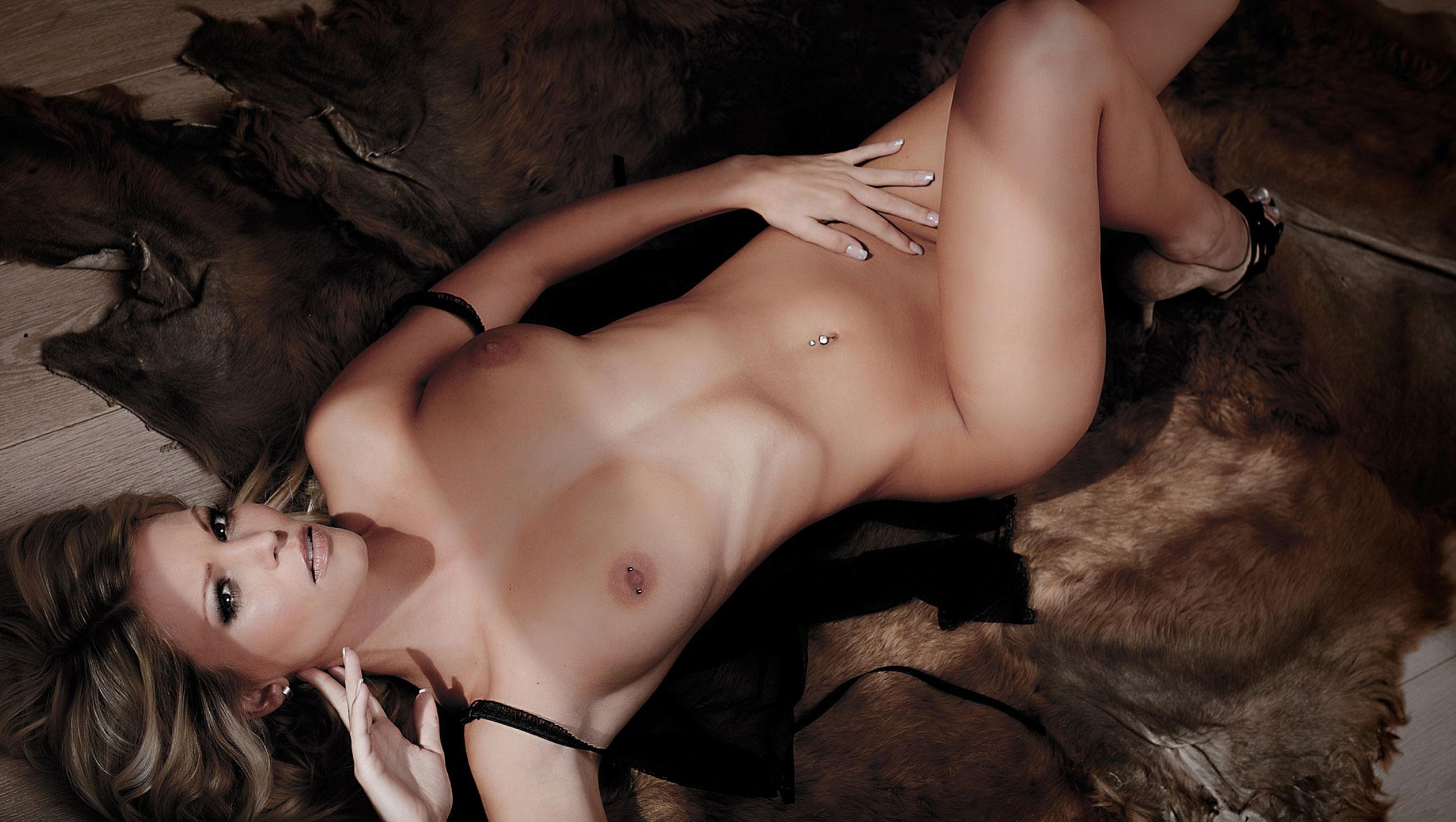 Нина Шваке - Девушка месяца немецкого Playboy, декабрь 2012 / фото 18