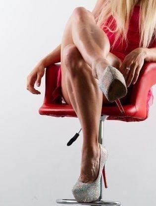 Bodybuilder female clit-1352
