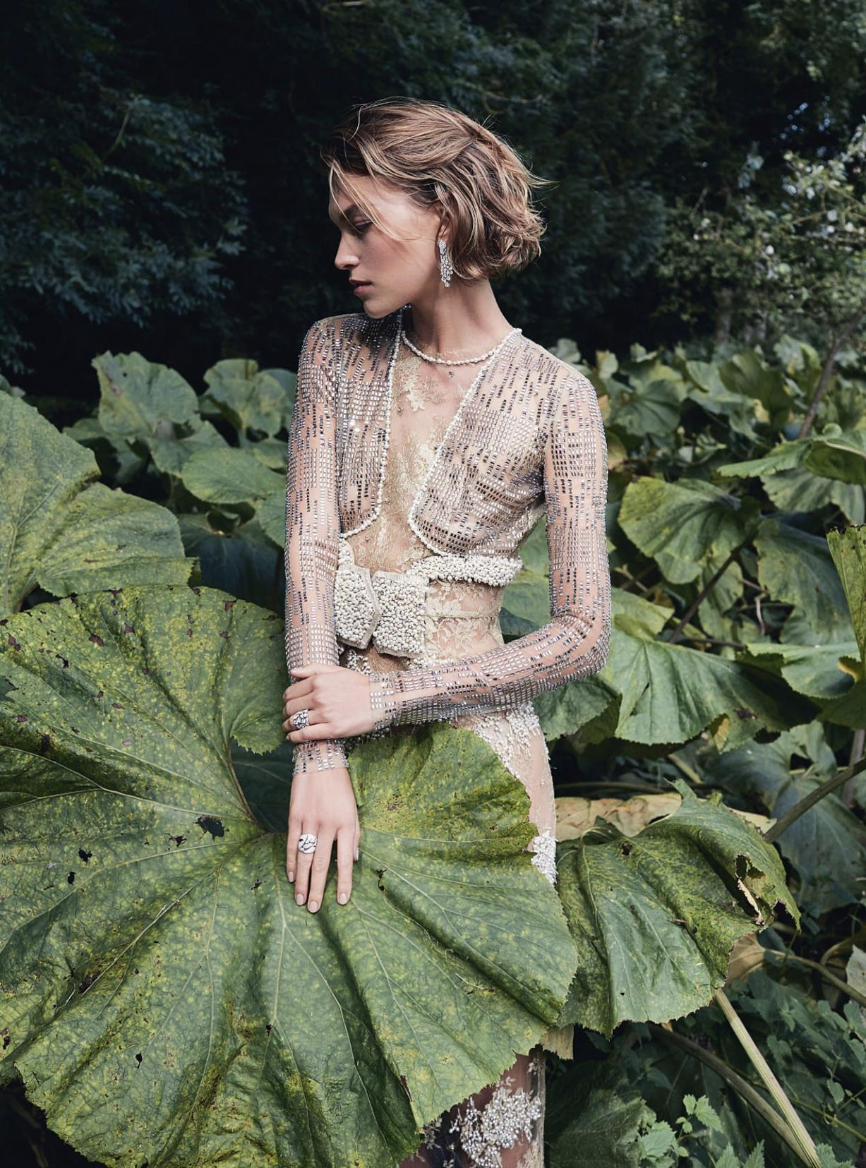 Конь, барабан и погоня - Аризона Мьюз / Arizona Muse by Agata Pospieszynska - Harper's Bazaar UK january 2018
