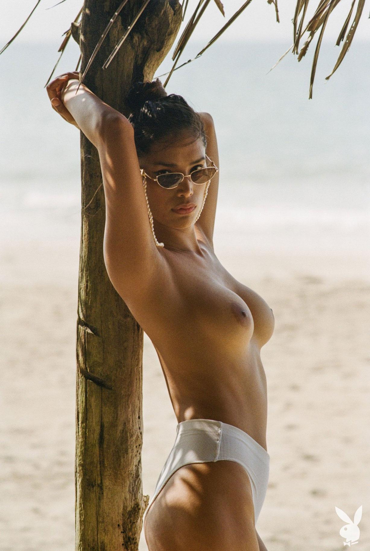 Девушка месяца Playboy США в августе 2019 - трансгендерная модель Джина Росеро / фото 16
