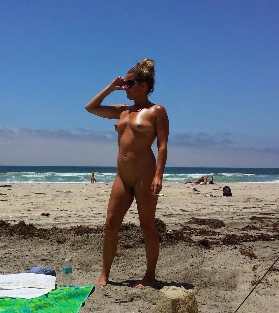 Hot girls naked at beach-3184