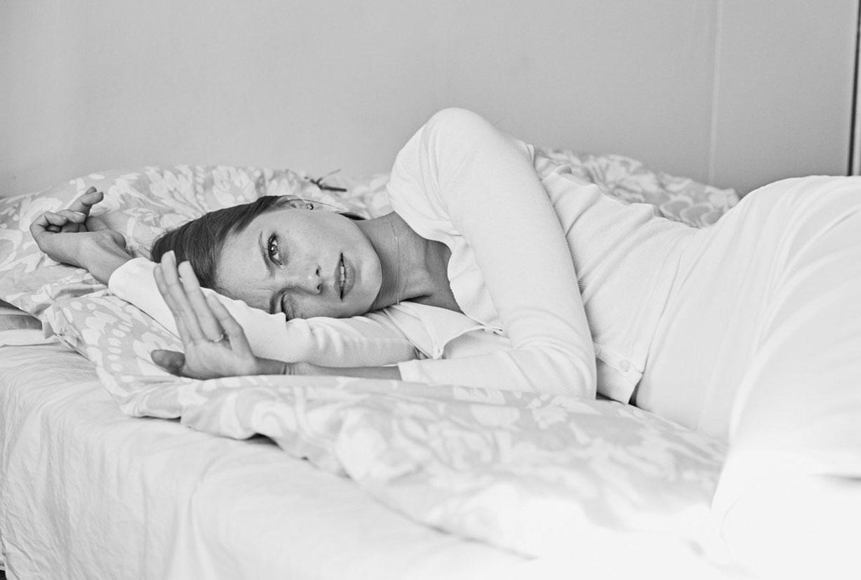 В постели с Викой Фалилеевой / Vika Falileeva-Leonard by Anvar Norov