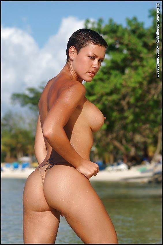 Beautiful fit naked women-3798