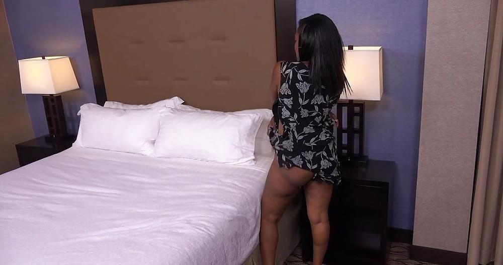 Big black mom booty-5025