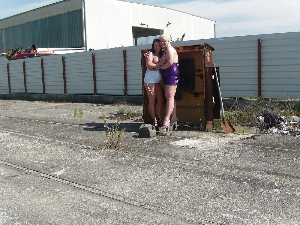 Free hot lesbian pics-8999