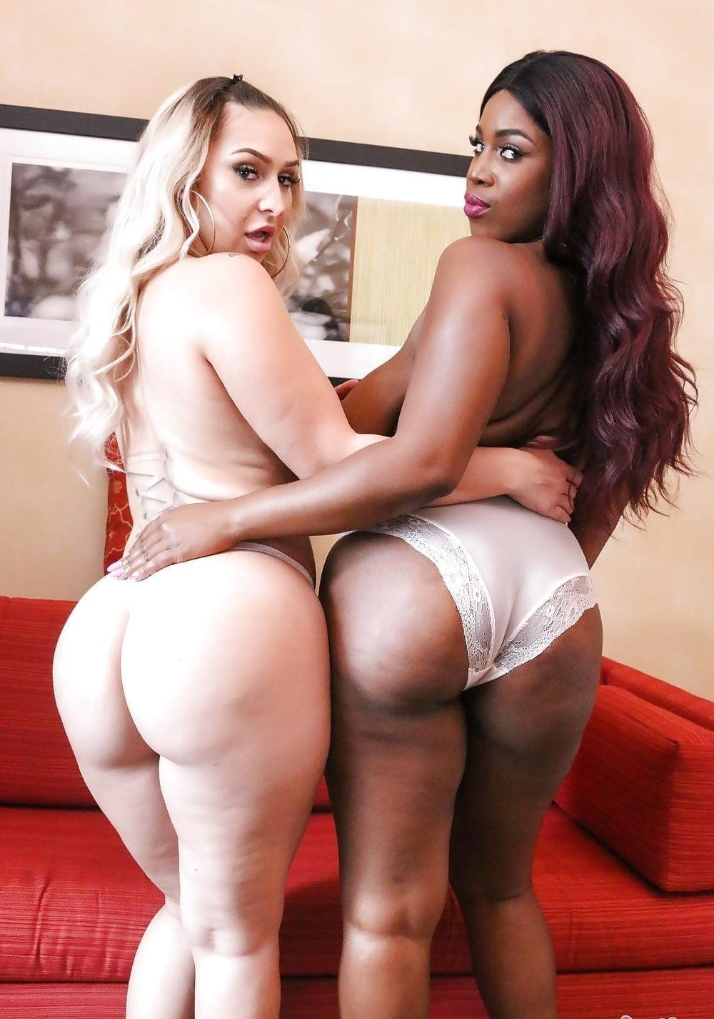 Curvy lesbian pics-4440