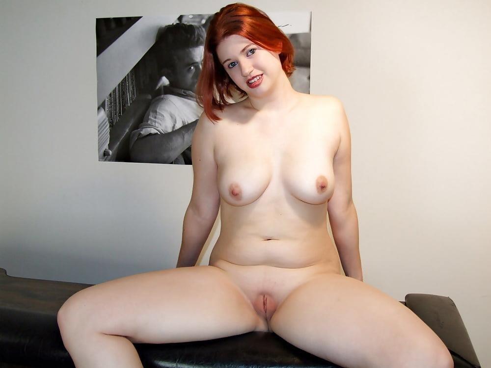 Beautiful voluptuous naked women-9379