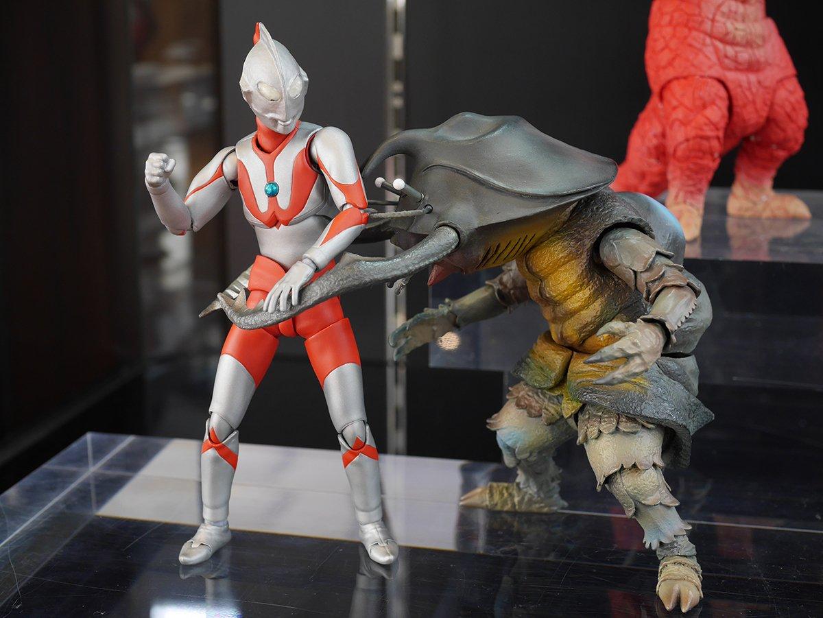 Ultraman (S.H. Figuarts / Bandai) - Page 6 Cd4fMUSr_o