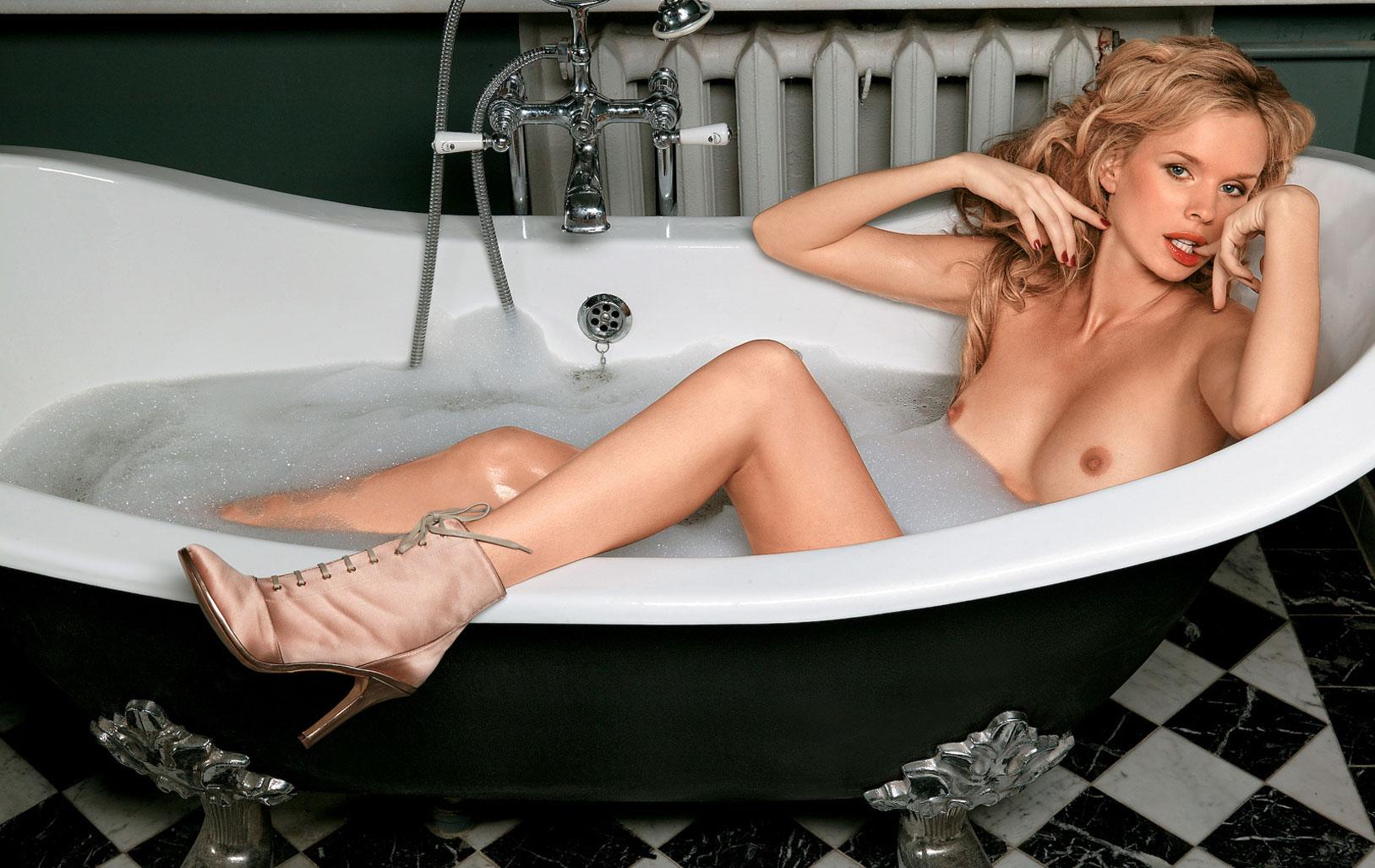 Девушка месяца Ольга Курбатова, Playboy Россия март 2005 / фото 01