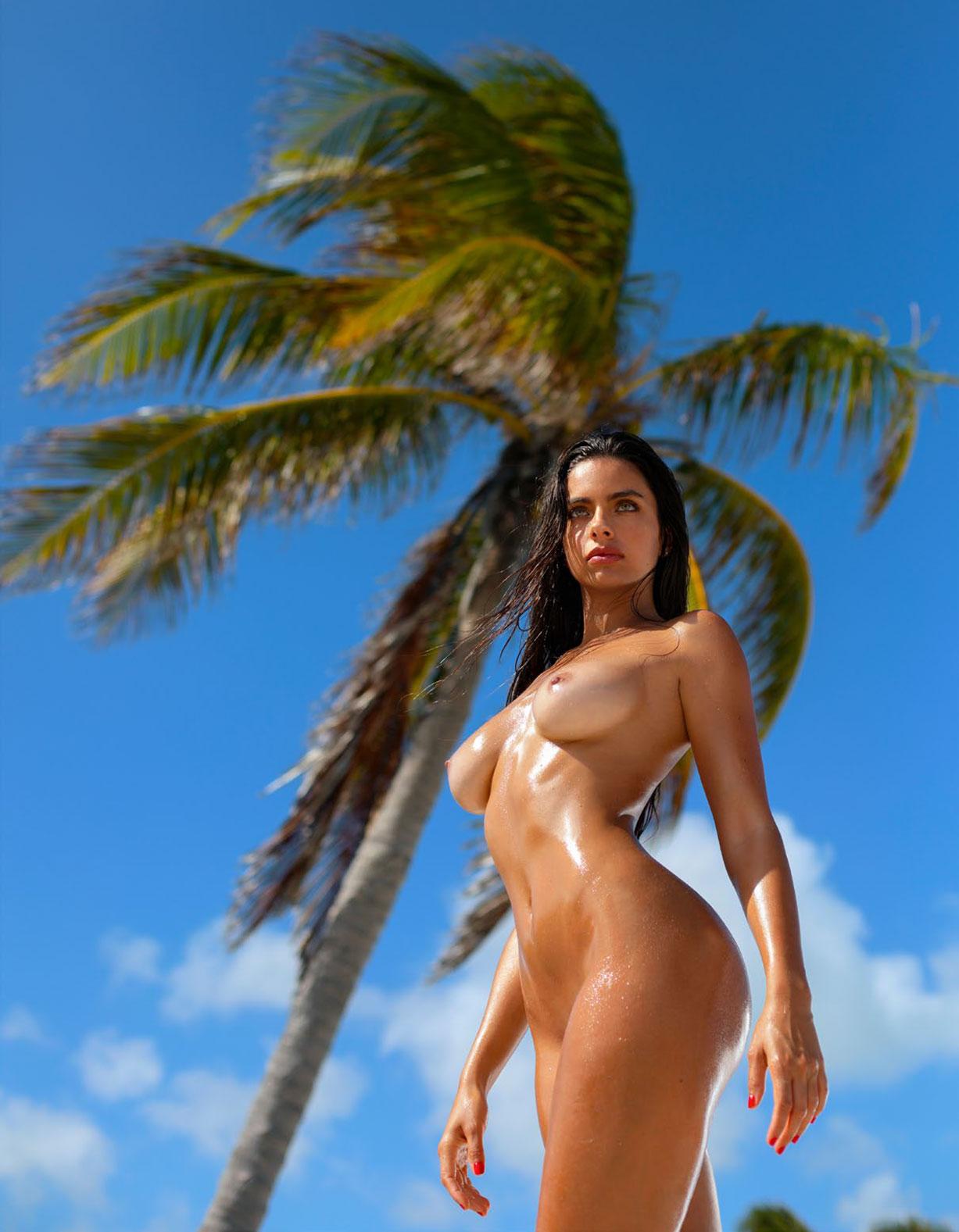 Присцилла Хаггинс в спецвыпуске журнала Playboy -Девушки летом- / фото 08