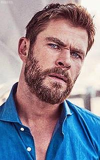 Chris Hemsworth SiVa7d7c_o