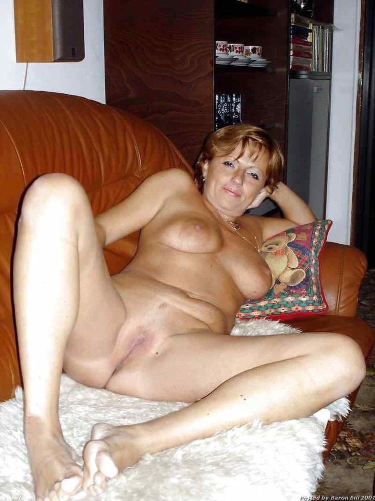 Girl milf pic-9332