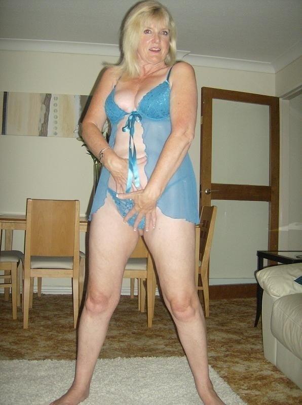 Amatuer mature nude-6224