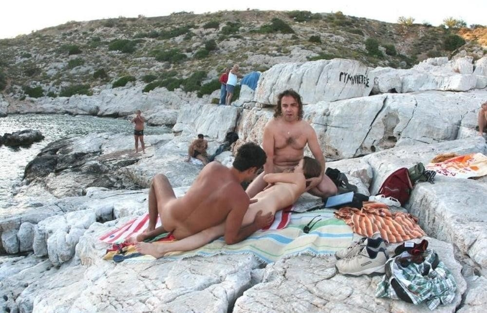 Amateur public threesome-5087