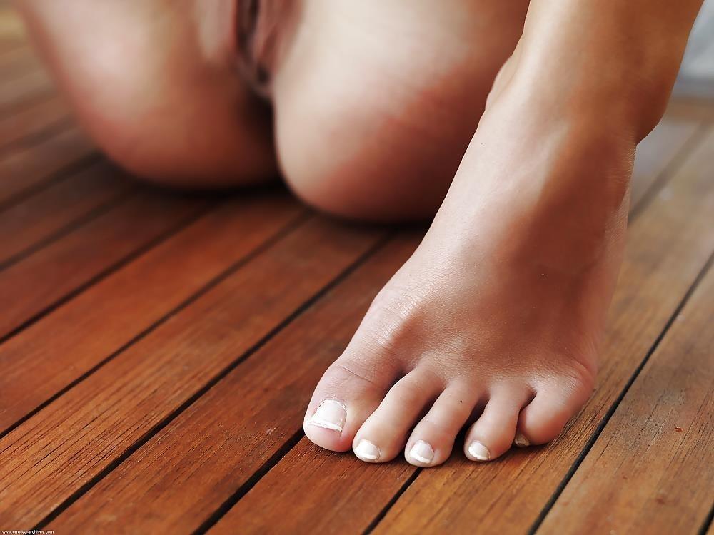Satin bloom feet-8865