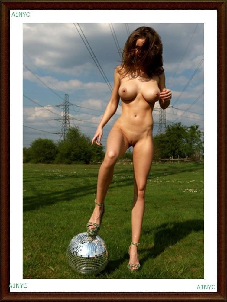 Big boob nude pics-6106