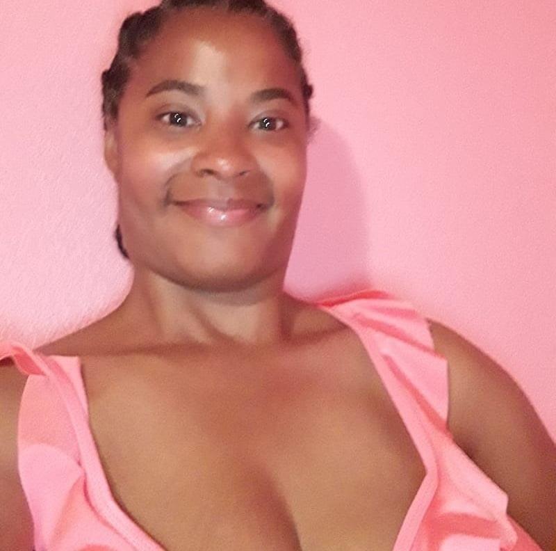 Mature mom nude selfies-9052