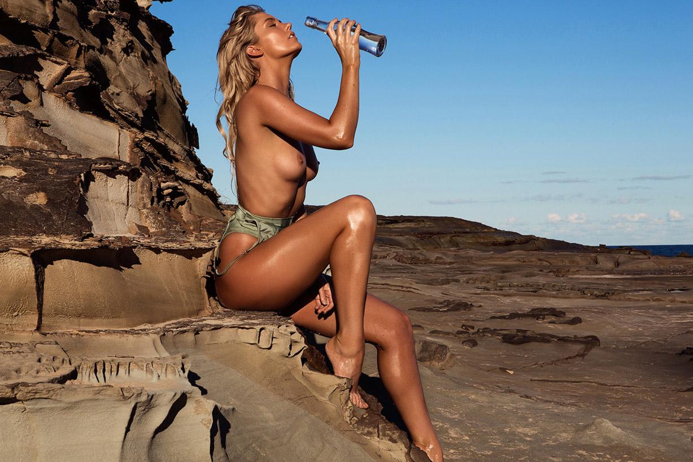 в горах и на море, с кокосами и ракушками / Lauren Kay naked by Neil Dixon