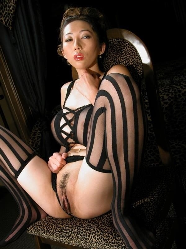 Gonzo asian porn-1869