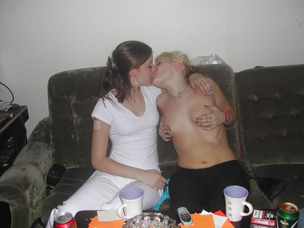 Hot kissing girls video-1418