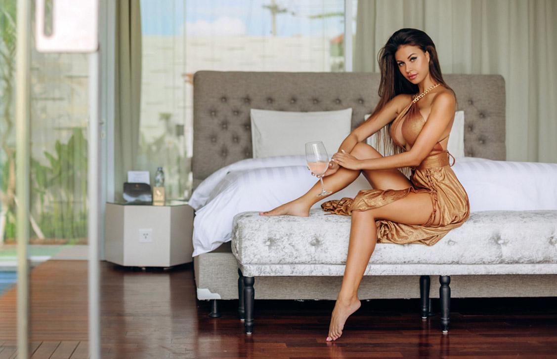 Отдыхаем на даче на Бали с местной моделью Аней Ойляля / Anna Oohlala by Aleksandr Semanin