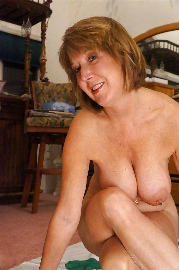 Gorgeous milf with big tits-2211