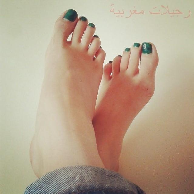 Nylon feet arab-8087