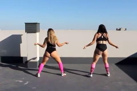 Big butt black girls twerking-4504