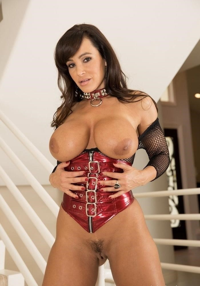 Lisa ann in naughty america-6463