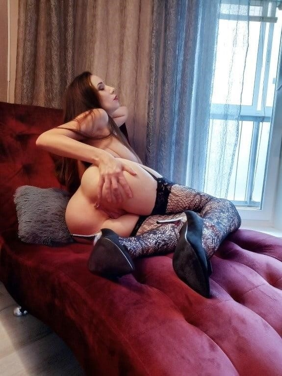 Very sexy young-8380