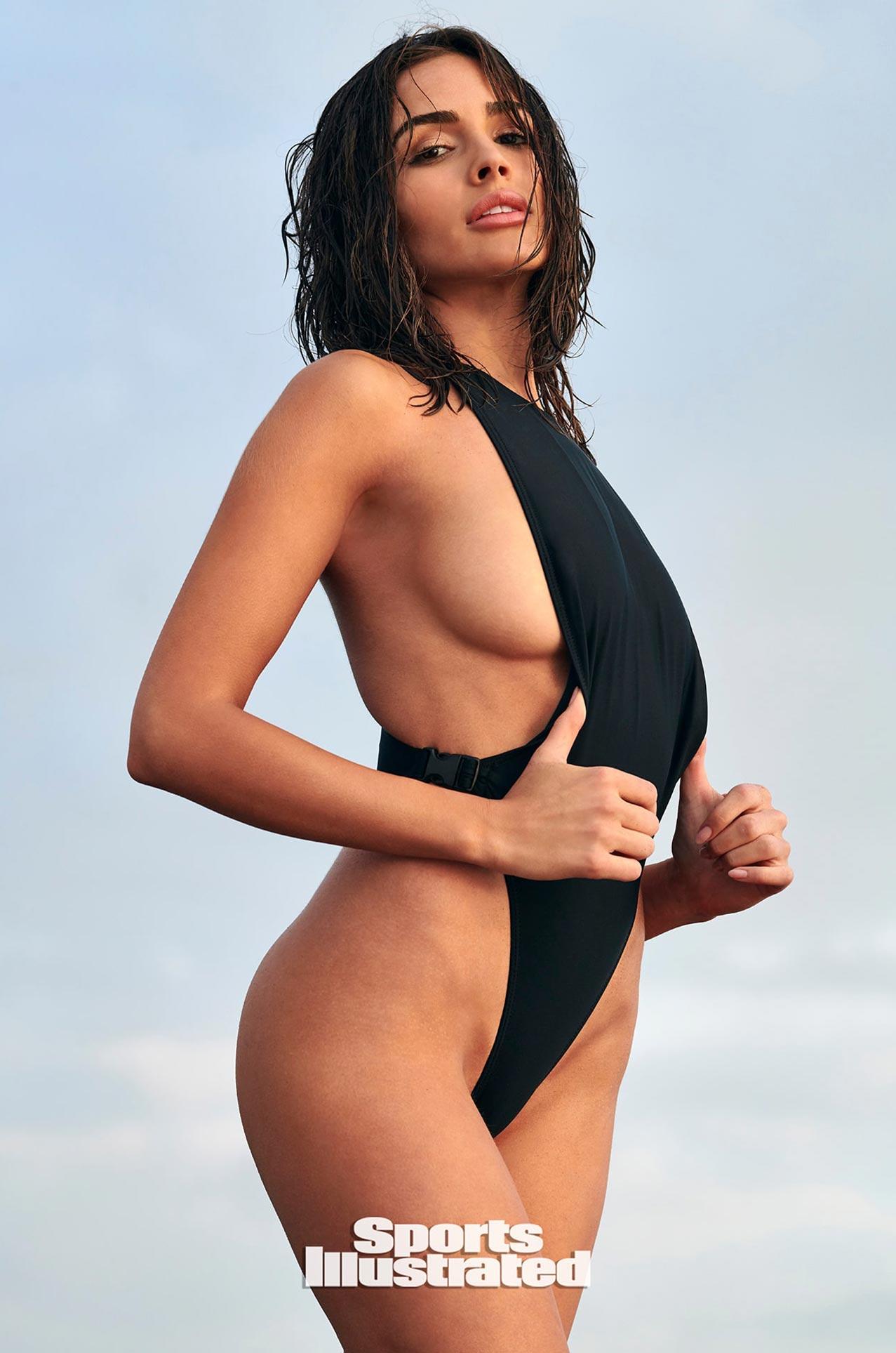 Оливия Калпо в каталоге купальников Sports Illustrated Swimsuit 2020 / фото 06