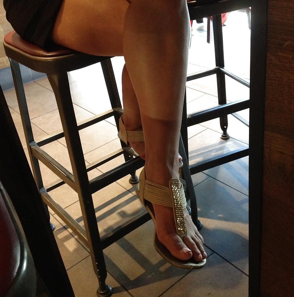 Long toes foot fetish-8267