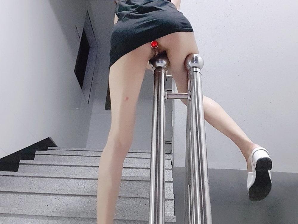 Sexy girl flashing in public-9175