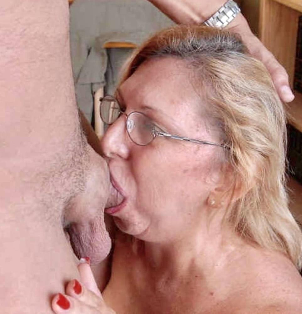 Mature suck pic-5795