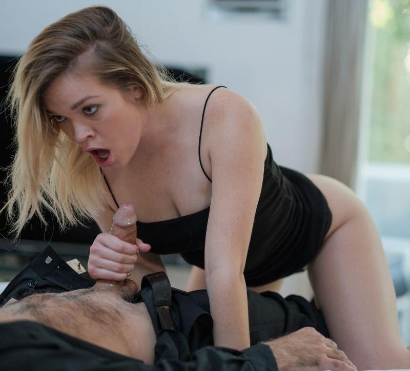 Katie Kush se folla por el amigo de su marido