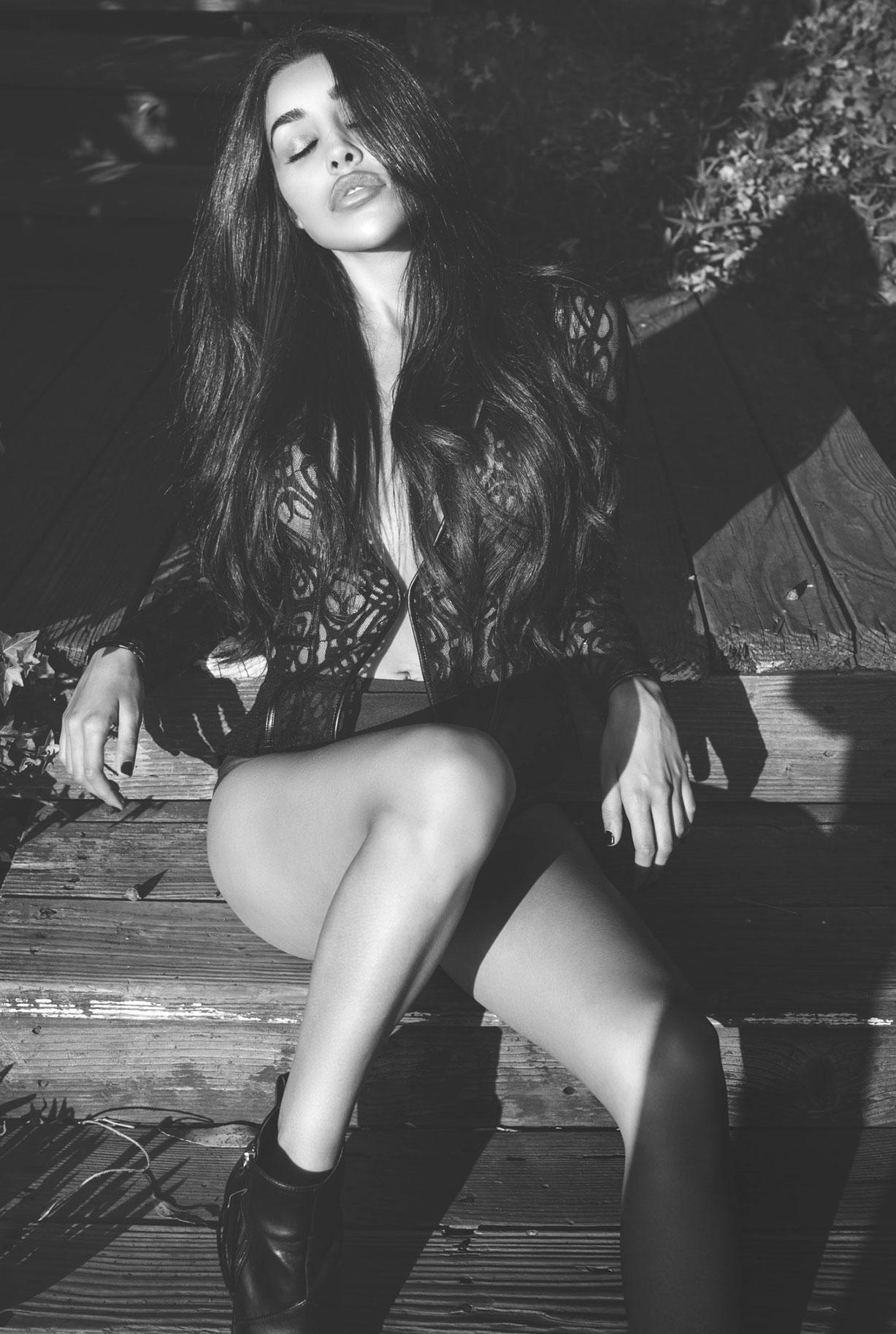 ливанская фотомодель Соня Круз, фотограф Кристос Сьюэлл / фото 02