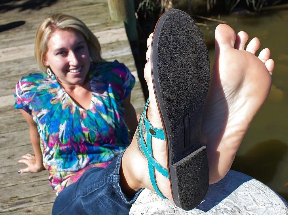 Young foot porn-3413