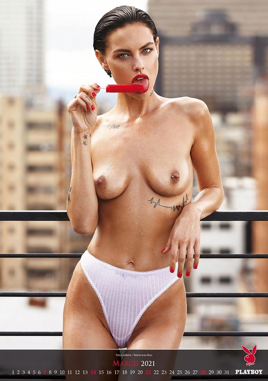 Эротический календарь журнала Playboy на 2021 год / март