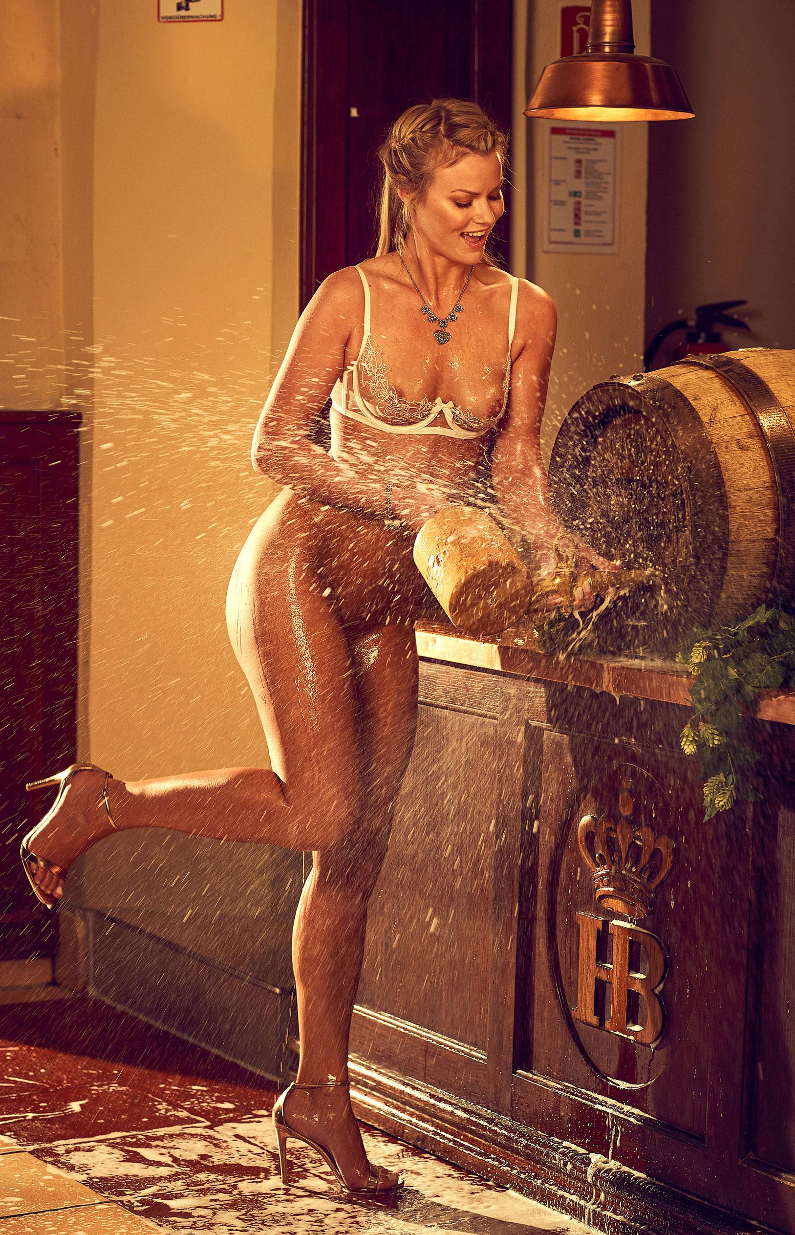 Наташа Хофманн - Мисс Октоберфест Playboy Германия / фото 02