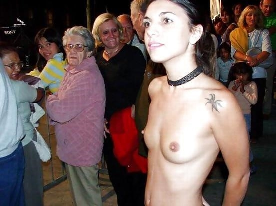 Amateur women naked in public-9809