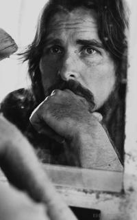 Christian Bale - Page 2 AJ4zB65K_o